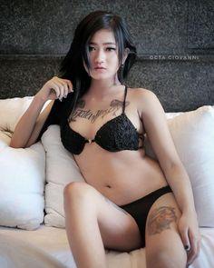 Dirty sluts having sex