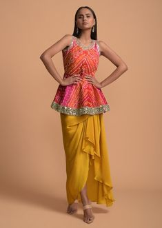 Dress Indian Style, Indian Fashion Dresses, Indian Designer Outfits, Indian Outfits, Designer Dresses, Indian Gowns, Fashion Wear, Boho Outfits, Sari Blouse Designs