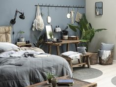 Room with gray blue wall, industrial style lamp and raw wood furniture Raw Wood Furniture, Repurposed Furniture, Industrial Style Lamps, Tropical Decor, Blue Walls, Furniture Makeover, Bedroom Decor, Bedroom Ideas, Sweet Home