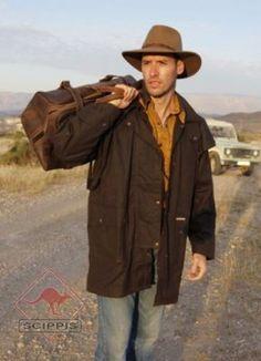 Scippis Drover Jacket En klassisk oljerocksjacka i 12oz tyg behandlat med vax.