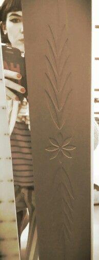 Flor wn bajo relieve negro mate by HAUS DESiGN traenis el motivo q quieras y te lo hacemos!