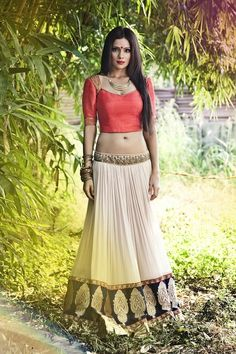 India Emporium is a one stop ethnic wear online store for all your online saree shopping, designer wear, salwar kameez, bridal wear, lehenga cholis & artificial jewellery needs. Indian Attire, Indian Ethnic Wear, Indian Girls, Indian Style, Choli Designs, Ethnic Fashion, Asian Fashion, Fashion East, Punk Fashion