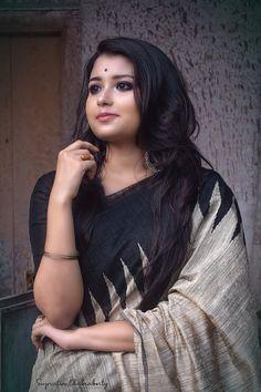 Beautiful Saree, Beautiful Indian Actress, Beautiful Dresses, Beautiful Women, Saree Photoshoot, Stylish Girl Pic, Indian Beauty Saree, Girls Image, India Beauty