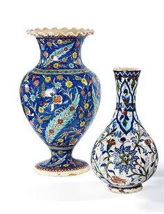Alif Art | Kutahya Ceramic Vase h: 40 cm R: 19 cm Early 20th cent.