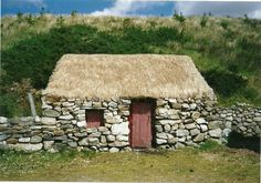 Gypsy Living Traveling In Style| Serafini Amelia| Thatched Cottage, Connemara, Co. Galway, Ireland