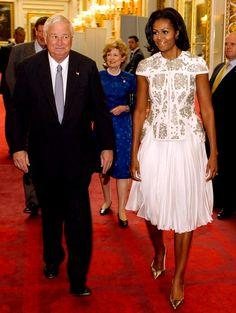 Michelle Obama y la chaqueta de precio olímpico que divide a EEUU