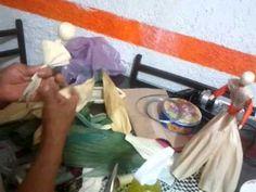 Mama Muñecas Elote Corn Husk Dolls, Fairy Dolls, Paper Flowers, Make It Yourself, Cool Stuff, Link, Crafts, Shuck Corn, Baby Dolls