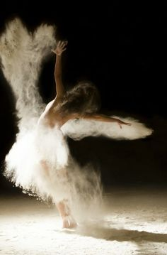 Stunning images of nude ballerinas dancing in stardust. This one is more SFW than others. http://www.ludovicflorent.fr