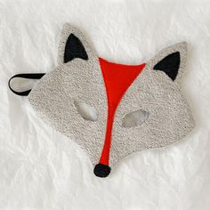 This little fox mask would be easy to make for Halloween. <> (All Hallow's Eve, costumes)