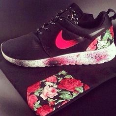 the prettiest nikes ive ever seen <3