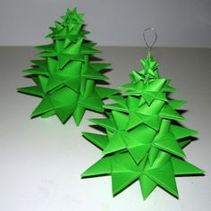 Fir tree made of frost stars & Christmas Advent Wreath, Christmas Origami, Xmas Ornaments, Christmas Crafts, Christmas Decorations, Origami And Quilling, Diy And Crafts, Paper Crafts, Origami For Beginners