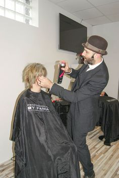 Fabrizio Del Buono Show w Śląskim Centrum Fryzjerstwa 23.11.14. Największe wydarzenie fryzjerskie ostatnich czasów na Śląsku. Świetny pokaz, genialna atmosfera, wspaniali ludzie. Dziękuję Fabrizio Del Buono i Iris, całej naszej ekipie i oczywiście licznie zgromadzonym klientom! Niezapomnijmy też o Silvia Teli.