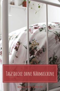 Tagesdecke DIY ohne Nähmaschine selber machen Do It Yourself Inspiration, Diy Inspiration, Diy Projects To Try, Design Projects, No Waste, Diy Blog, Diy Design, Lady, Bean Bag Chair