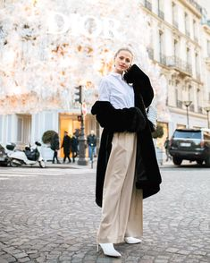 Haute Normcore: roomy silhouettes on tailored separates.You can never go wrong ✔️✔️ Sofia Ruutu ✨ Separates, Silhouettes, Normcore, Street Style, Icons, Beauty, Fashion, Moda, Urban Style