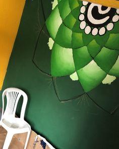 """155 curtidas, 6 comentários - Matheus Marx 👨🏼🎨 (@marxpintor) no Instagram: """"Acompanhe com detalhes nos stories, o desenvolvimento do meu último trabalho ! • #mandala…"""" Mandala, Outdoor Decor, Instagram, Home Decor, Beach House Decor, Overhead Press, Decoration Home, Room Decor, Home Interior Design"""
