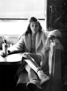 Elle US January 2012 photographer: bruno staub stylist: beth fenton hair: leonardo manetti make-up: francelle model: ali stephens Vintage Diner, Retro Diner, White Photography, Editorial Photography, Fashion Photography, Photography Ideas, Portrait Photography, Fashion Shoot, Editorial Fashion