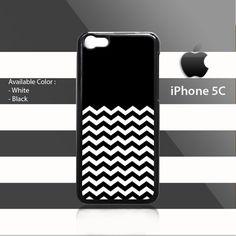 Black Chevron Pattern iPhone 5c Rubber
