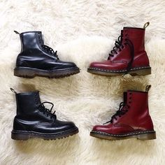 Left or right? #breakicetrends #boots