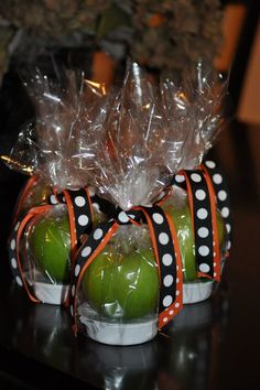 """Great """"treat"""" for kids or teachers #fall #apple #gift"""