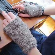 Driving Gloves - via @Craftsy