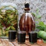 FotoRecept   Orechový likér - NajRecept.sk Beverages, Drinks, Celery, Pickles, Asparagus, Cucumber, Vodka, Smoothies, Food And Drink