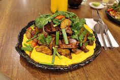 Morena Peruvian Kitchen: Excelente restaurante de comida peruana,próximo a Plaza de Armas de Cusco. Este prato é o lomo saltado sobre uma cama de quinoa.