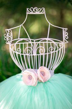 Decoration at a Pretty Ballerina Party #ballerina #party