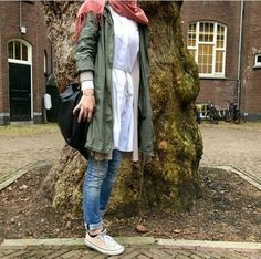 cargo-jacket-hijab-look uploaded by Just trendy girls Tesettür Jean Modelleri 2020 Modest Fashion Hijab, Frock Fashion, Casual Hijab Outfit, Muslim Fashion, Ootd Hijab, Women's Fashion, Modele Hijab, Hijab Look, Stylish Dresses For Girls
