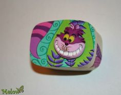 704288_298704746914554_1665549568_o I'd like to make a smiling Cheshire cat head to hang from the tree