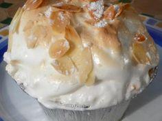 Polonaise : baba, crème pâtissière, fruits confits et meringue : Recette de Polonaise : baba, crème pâtissière, fruits confits et meringue - Marmiton