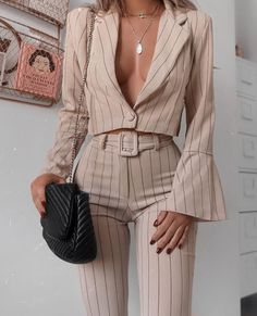 25 Beautiful Outfit Ideas Spring You Will Love outfit ideas spring, mi moda, Fashion trends Glamouröse Outfits, Cute Casual Outfits, Fashion Outfits, Fashion Ideas, Fashion Hacks, Fashion Essentials, Dress Fashion, Hijab Fashion, Fashion Clothes