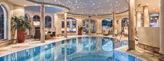 Das Panorama Hallenbad im Wellnesshotel Bergland, Hintertux. #panorama_hallenbad #wellnesshotel #schwimmbad #swimmin_pool #massage #beauty #entspannung #auszeit #relaxen #wellness #spa #zillertal #wellnesshotel_bergland jacuzzi