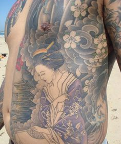 Geisha Tattoos are loved by the people who love Japanese culture. A geisha tattoo is often featured by a geisha girl dressed in colorful traditional Geisha Tattoos, Geisha Tattoo Design, Irezumi Tattoos, Japanese Leg Tattoo, Japanese Geisha Tattoo, Japanese Tattoo Designs, Rib Tattoos For Guys, Girls With Sleeve Tattoos, Back Tattoo Women