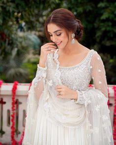 Maya Ali, Pakistani Actress, Eid Mubarak, Beautiful Actresses, Celebrities, Wedding Dresses, Gossip, Cool Pictures, Fashion
