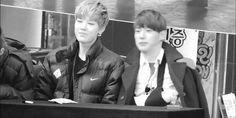 Zelo Himchan gif..ah hyung dnt push look on zelo!!