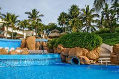 Three pools and a slide in Rancho Banderas/ Tres albercas y un tobogan en Rancho Banderas
