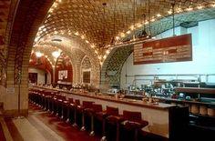 Grand Central Oyster Bar where David and Elaine meet.
