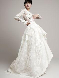 Top Wedding Dress Trends for 2014 Floral Details - Yolan Cris