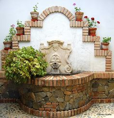 Málaga Pueblo a Pueblo: MACHARAVIAYA Mexican Patio, Mexican Garden, Garden Sink, Cement Garden, Mexican Style Homes, Landscape Design, Garden Design, Spanish Home Decor, Exterior Tiles