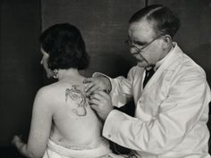 George 'Professor' Burchett (also styled the 'King of Tattooists') was born George Burchett-Davis on 23 August 1872 in the English seaside town of Brighton, East Sussex and became one of the most famous tattoo artists in the world.