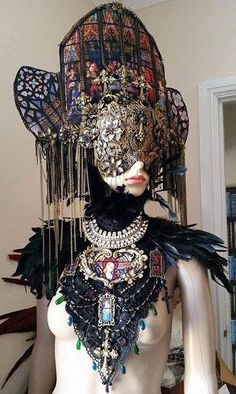 That's a beautiful cathedral you're wearing Mrs. Mode Inspiration, Character Inspiration, Character Design, Hallowen Ideas, Mode Costume, Maquillage Halloween, Fantasy Costumes, Fashion Art, Fashion Design