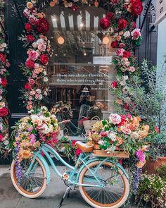 Fresco, Art Hoe Aesthetic, Bubbles Wallpaper, Picture Tree, Petal Pushers, Luxury Flowers, Merchandising Displays, Amazing Flowers, Garden Projects