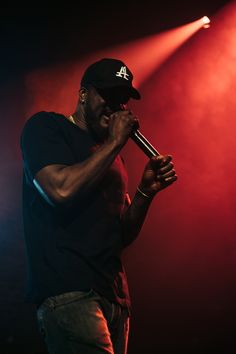 The South London rap crew brought out the big guns at their headline show in Shoreditch last night. Big Guns, South London, Last Night, Popular Music, Listening To Music, Drake, Cool Photos, Hip Hop, Bring It On