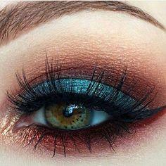 A perfect eye make-up for every eye color. Additional bonus: The gold . - A perfect eye make-up for every eye color. Additional bonus: The golden highlight makes your look c - Eye Makeup Tips, Makeup Goals, Skin Makeup, Eyeshadow Makeup, Makeup Inspo, Makeup Art, Makeup Inspiration, Makeup Brushes, Beauty Makeup