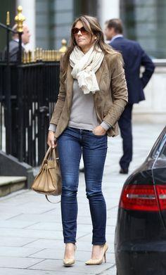 liz hurley j brand 2 Elizabeth Hurley in J Brand Skinny Jeans in Ink
