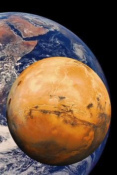Mars and Earth to scale. Radius Earth 6371 km, Mars has a radius of 3396 km. This makes our little neighbour planet just over half the size of our own world.