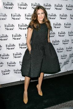 For the NYC screening of her movie The Family Stone, she picks a knee-length charcoal dress and nude pumps.