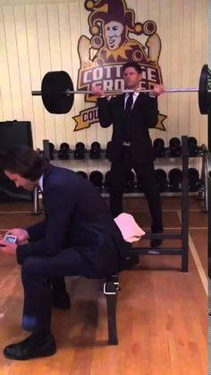 Supernatural 11x07 BTS - Jensen Ackles Weightlifting