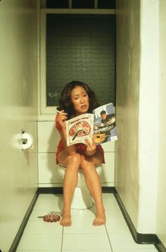 Sandra Oh reads. What can I say? I'm a Grey's Anatomy fan!