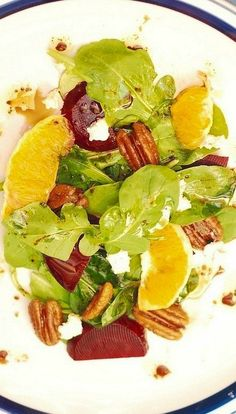 Arugula salad with beets, Gorgonzola cheese, oranges, brown-sugar-caramelized pecans, with homemade Balsamic Vinaigrette dressing. Healthy Cooking, Healthy Dinner Recipes, Healthy Eating, Cooking Recipes, Healthy Foods, Cooking Ideas, Healthy Detox, Keeping Healthy, Healthy Dinners